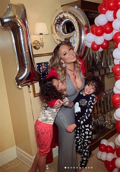 Hai con cùng Mariah Carey ăn mừng đĩa đơn thứ 19 đứng đầu Billboard. Ảnh: Instagram.