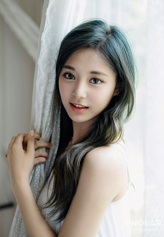 Tzuyu - sao nữ 'đẹp nhất thế giới' 2019