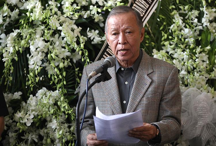 ông Trần Long Ẩn, Chủ tịch Hội âm nhạc TP HCM, đọc điếu văn