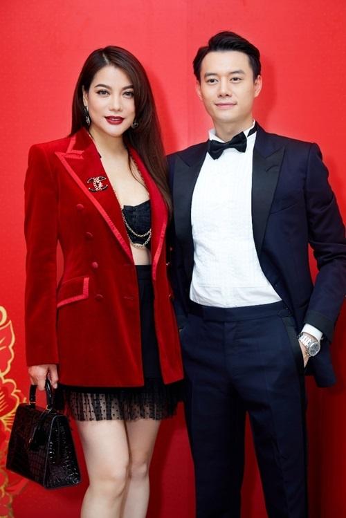 Diễn viên Trương Ngọc Anh sánh đôi nam diễn viên Anh Dũng tại sự kiện của thương hiệu mỹ phẩm Hàn Quốc Sulwhasoo.