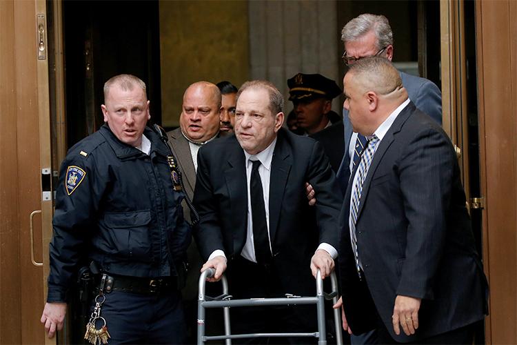 Harvey Weinstein chong nang den toa