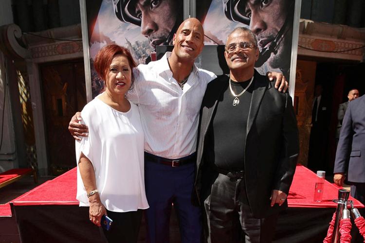 Rocky và vợ cũ đến ủng hộ phim của con trai năm 2015. Ảnh: Warner Bros.