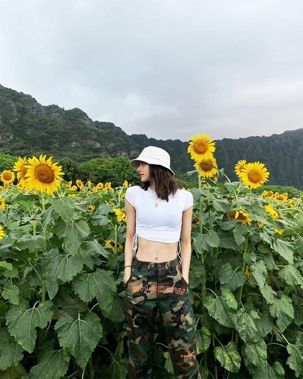 'Mỹ nhân đẹp nhất châu Á' chuộng crop-top