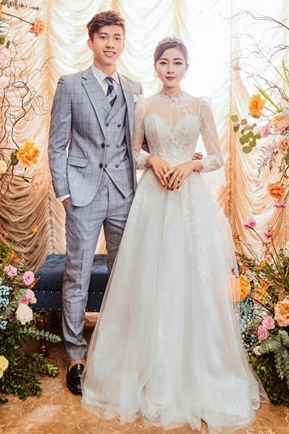 Mẫu váy thứ hai của Linh Nga giúp Nhật Linh tôn vẻ nhẹ nhàng. Ảnh: L.N.