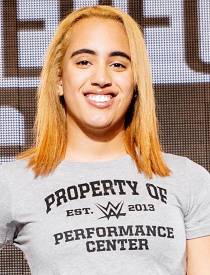 Simone Johnson mặc đồng phục của trung tâm đào tạo võ sĩ. Ảnh: WWE.