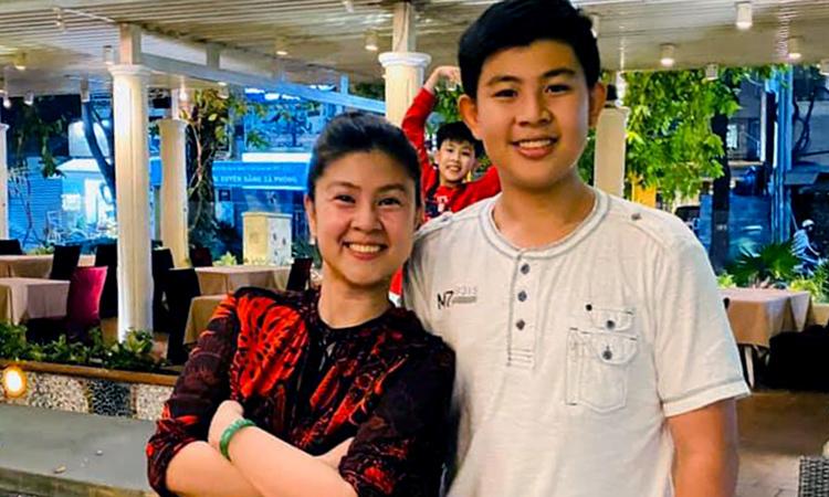 Kim Thư khoe hai con - Giải Trí