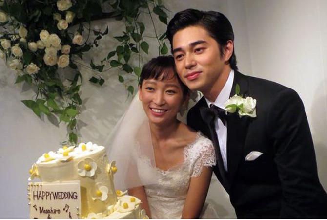 Vợ chồng Higashide Masahiro ngày cưới. Ảnh: