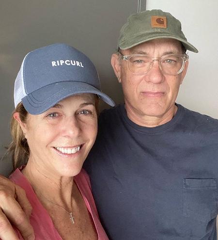 Tom Hanks cùng vợ ở Australia. Ảnh: Instagram.