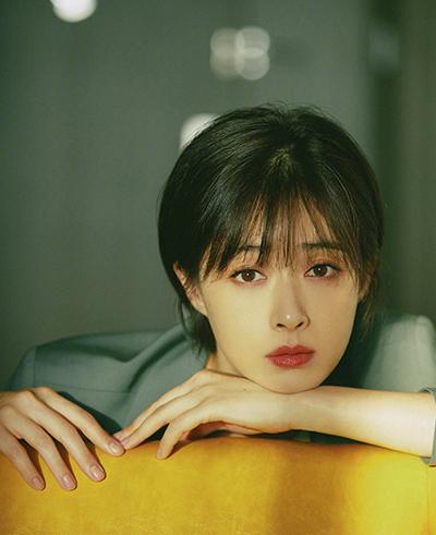 Tưởng Hân ở tuổi 37. So với các đàn em Nhiệt Ba, Na Trát, cô được đánh giá tốt hơn về diễn xuất. Cô từng đóng Mộc Uyển Thanh trong Thiên Long Bát Bộ 2003, Hoa Phi trong Chân Hoàn truyện...