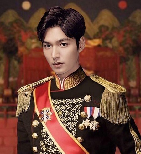 Tạo hình Lee Min-ho trong The King: Eternal Monarch.